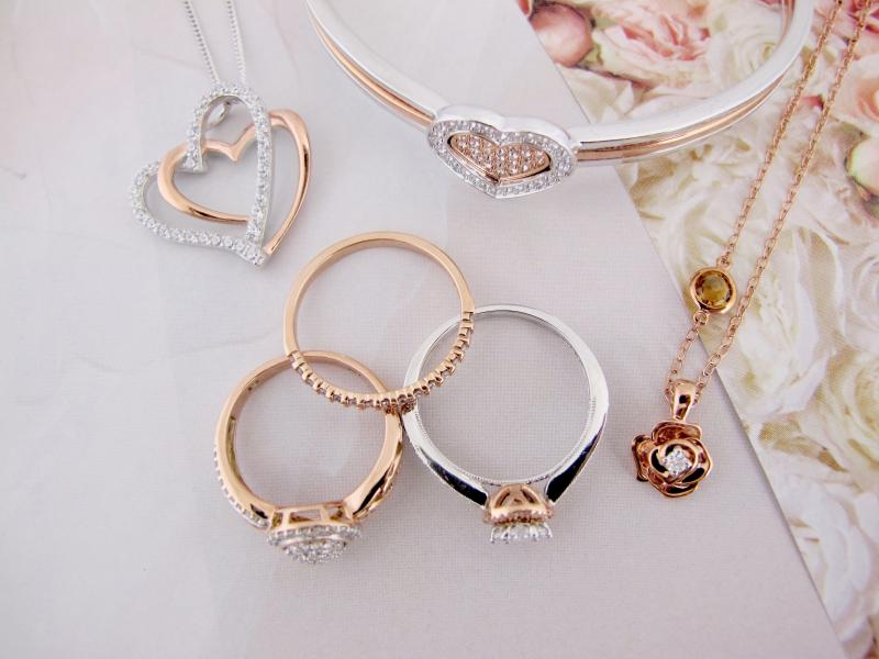 A Touch of Blush Rose Gold Charm Diamond Centres